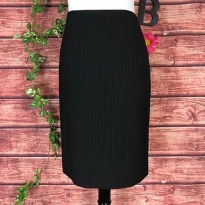 Ann Taylor Skirt 6 Black Pinstripe Wool Pencil